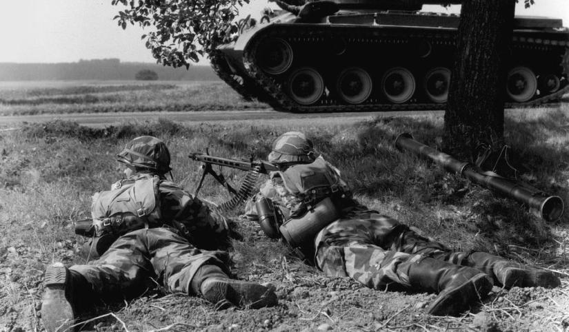 1280px-West_German_Bundeswehr_1960